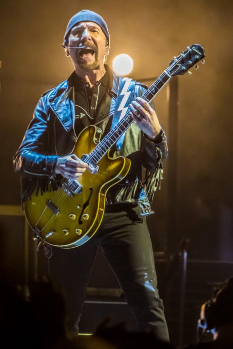 U2 2015-06-06-03-6869