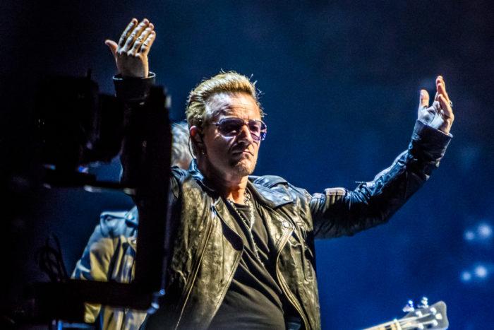 U2 2015-06-06-19-7017
