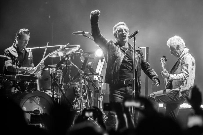 U2 2015-06-06-24-6891