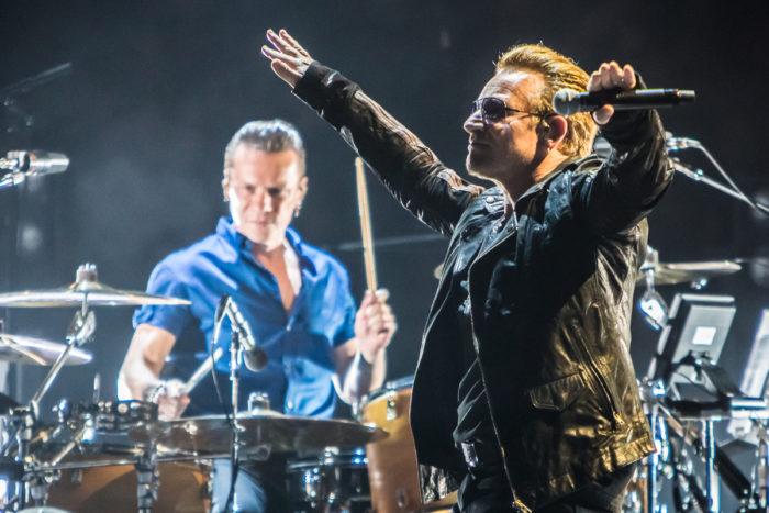 U2 2015-06-06-25-7000