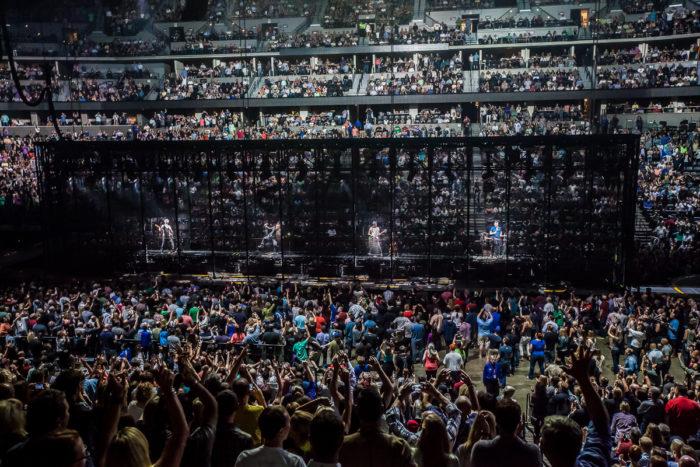 U2 2015-06-06-43-6705