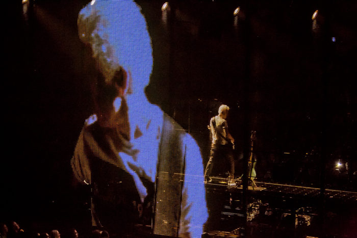U2 2015-06-06-45-7204