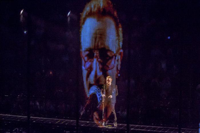 U2 2015-06-06-47-7206