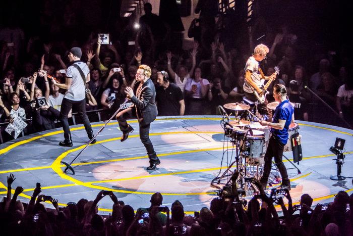 U2 2015-06-06-54-7248