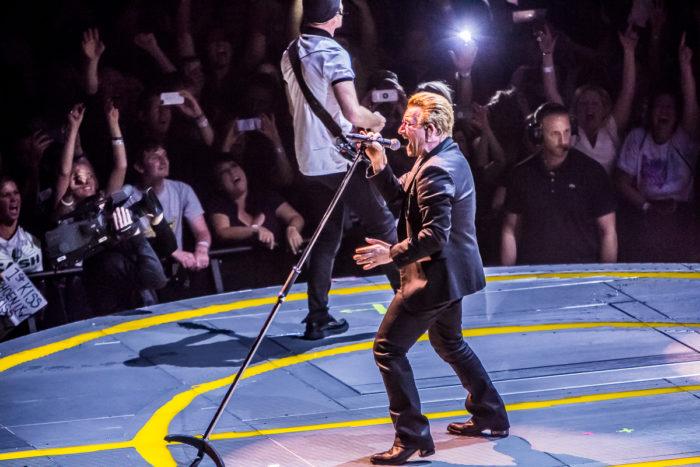 U2 2015-06-06-56-7256