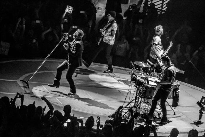 U2 2015-06-06-57-7244