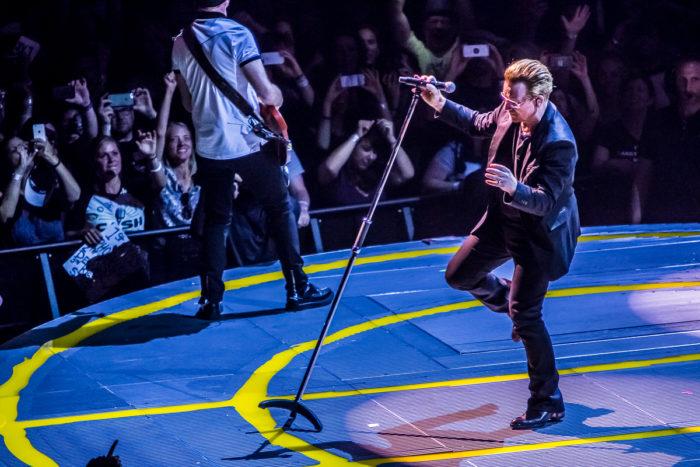 U2 2015-06-06-58-7251