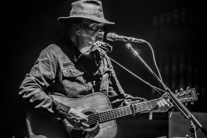 Neil Young 2015-07-08-23-9722