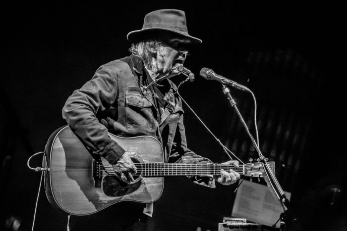 Neil Young 2015-07-08-33-9877